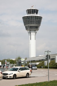 airport-178199_1280